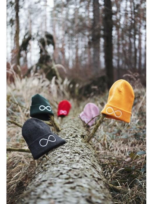 Zimní čapka Hory a nekonečno - zlatá